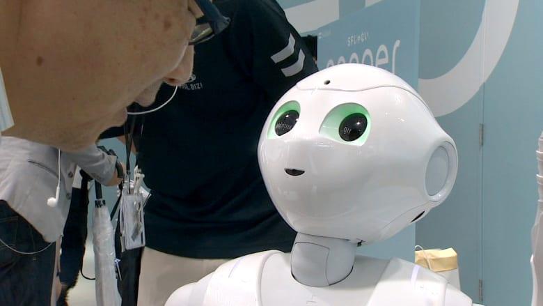 الأنسب لرعاية المسنين.. روبوت يتحسس المشاعر ويتحدث 17 لغة