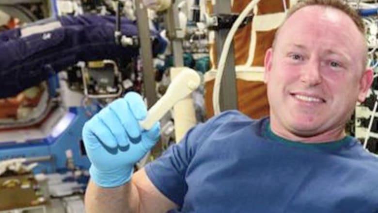 كيف أرسلت ناسا مقبساً لفك البراغي للفضاء عبر البريد الألكتروني؟