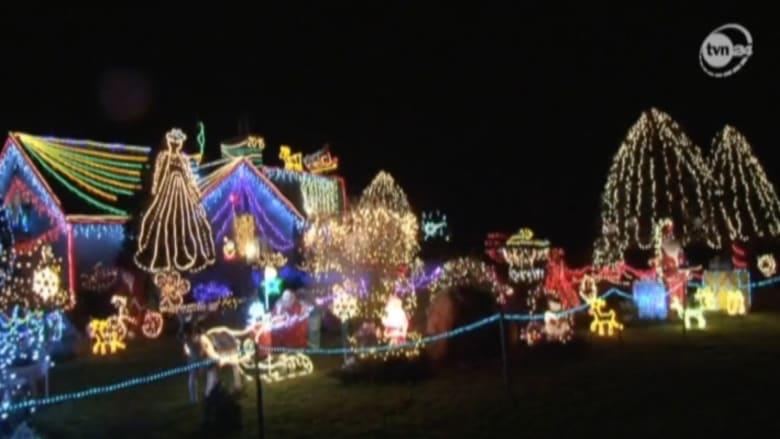 بالفيديو من بولندا.. منزل مضاء بـ 60000 مصباح للاحتفال بعيد الميلاد