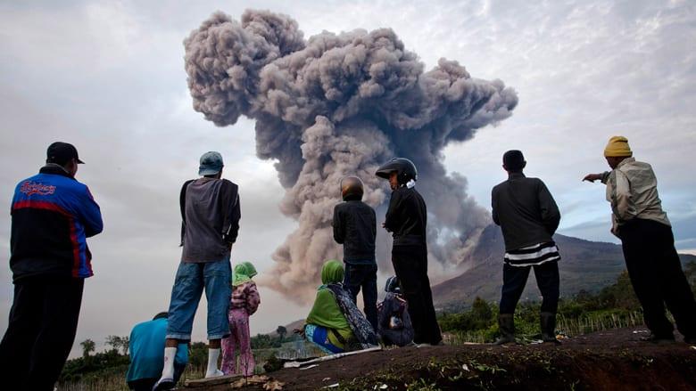 بركان يشرد أكثر من 30 ألف إندونيسي