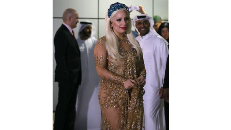 بالصور.. وصول المغنية ليدي غاغا إلى دبي لإحياء حفل موسيقي الأربعاء