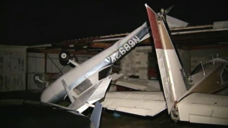 بالفيديو.. العواصف تدمر عشرات الطائرات بأمريكا