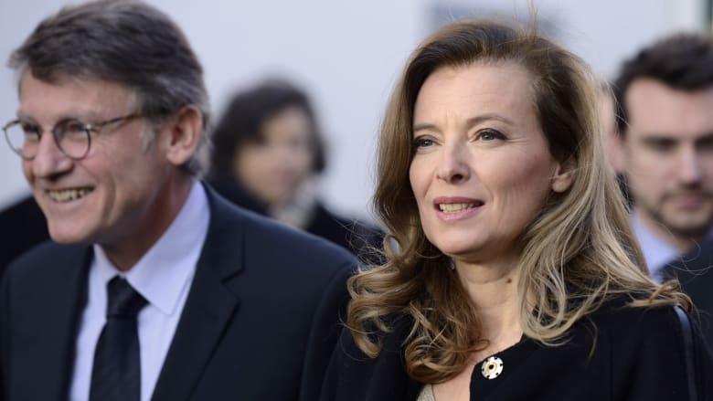 سيدة فرنسا الأولى بالمستشفى بعد أنباء علاقة هولاند بممثلة فرنسية