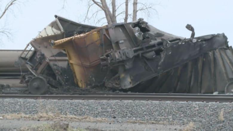 بالفيديو.. حادث قطار مكوّن من 22 عربة