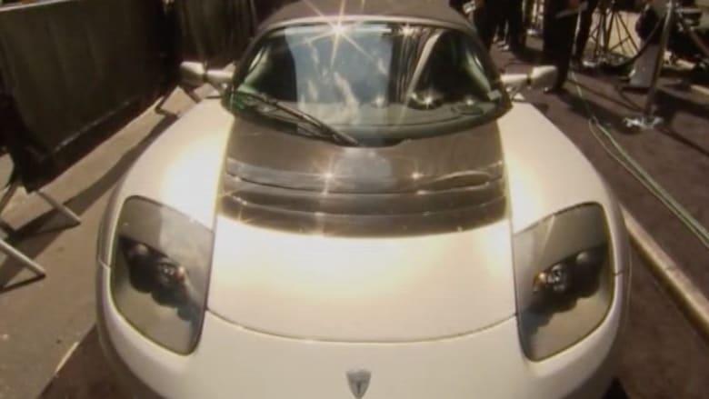 سيارة تيسلا S تقطع 645 كيلومترا بدون وقود