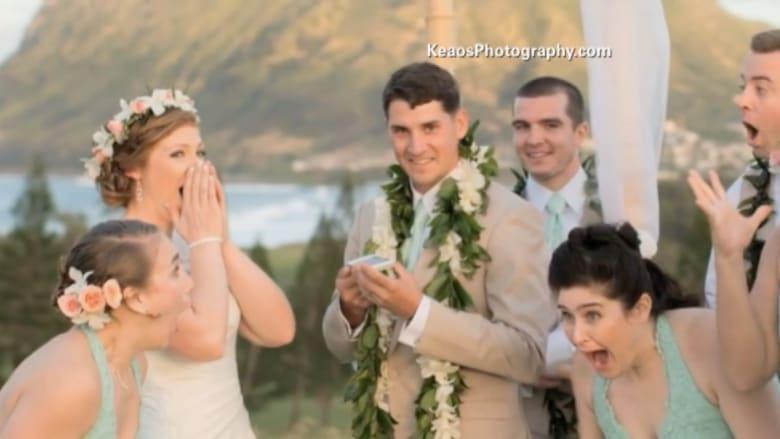 أوباما يفسد حفل زفاف بلعبة غولف .. ويعتذر للعروسين