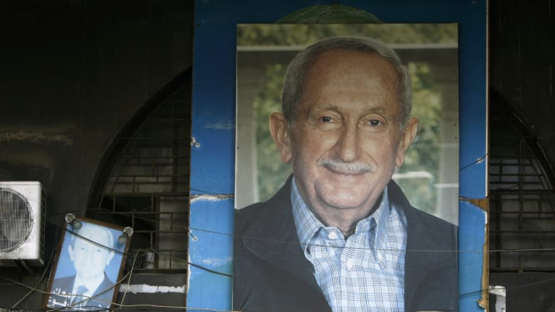 وفاة رئيس الوزراء اللبناني الأسبق عمر كرامي عن 80 عاماً بأحد مستشفيات بيروت