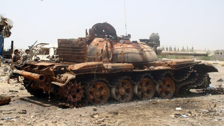 مسلحون يستولون على كتيبة بكامل عتادها في اليمن ويأسرون 300 جندي