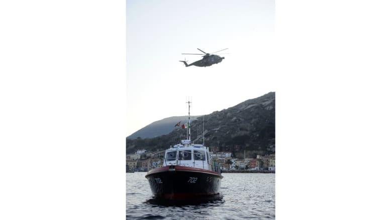 إيطاليا: انقاذ 360 مهاجرا من على متن عبارة تبحر دون طاقم