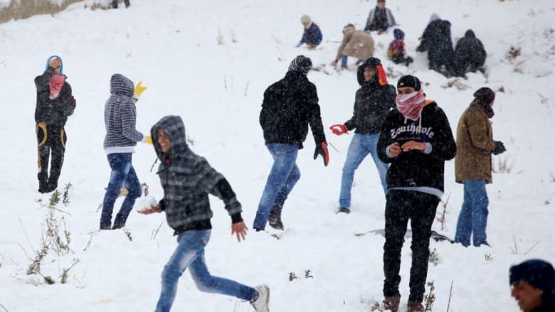عاصفة هدى تضفي البسمة على وجوه الأردنيين.. ولكن خارج المخابز
