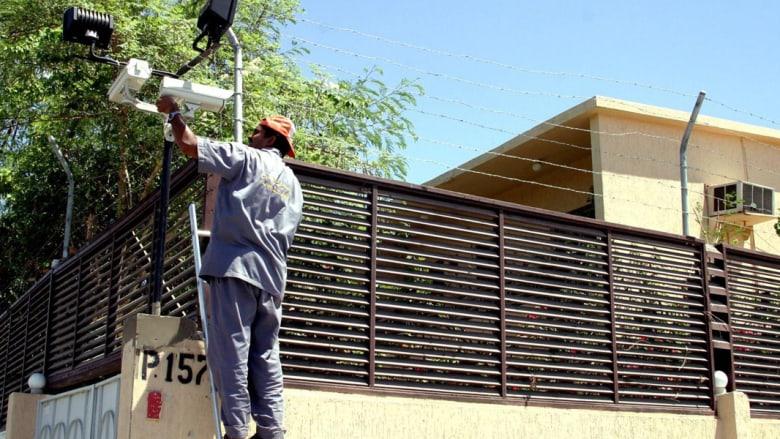 """رفض مقترح مراقبة المنازل بالكاميرات في السعودية.. ومغردون يردون: """"فاهمين ستار أكاديمي غلط"""""""
