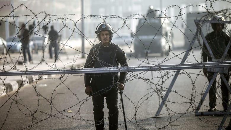 """مصر بآخر جمعة قبل """"25 يناير"""".. تفجير يستهدف أحد القصور الرئاسية ومزاعم بـ""""هروب سجناء"""" تثير الذعر"""