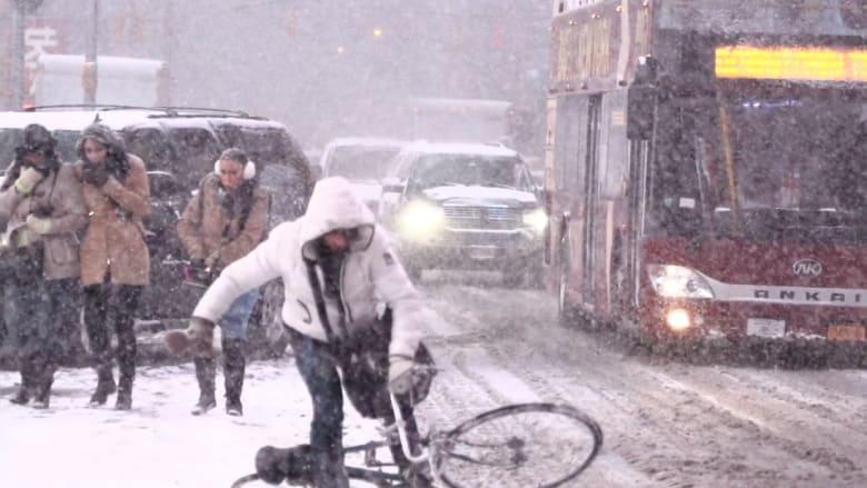 شاهد عاصفة نيويورك الثلجية بصور بطيئة الحركة