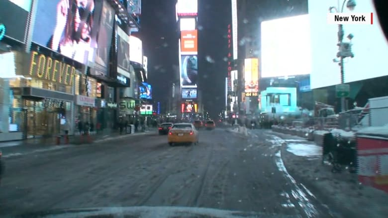 شاهد في 60 ثانية .. ساعات من تساقط الثلوج في أمريكا بتقنية الفاصل الزمني