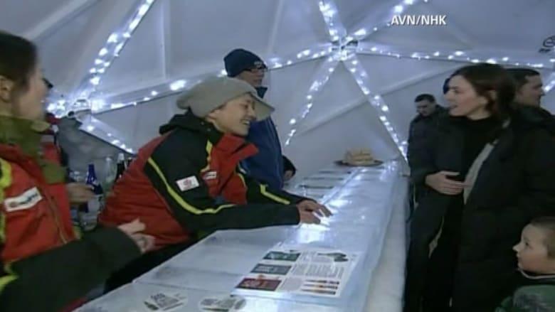 شاهد بالفيديو حانة جليدية في اليابان.. تجربة تستحق التجمد