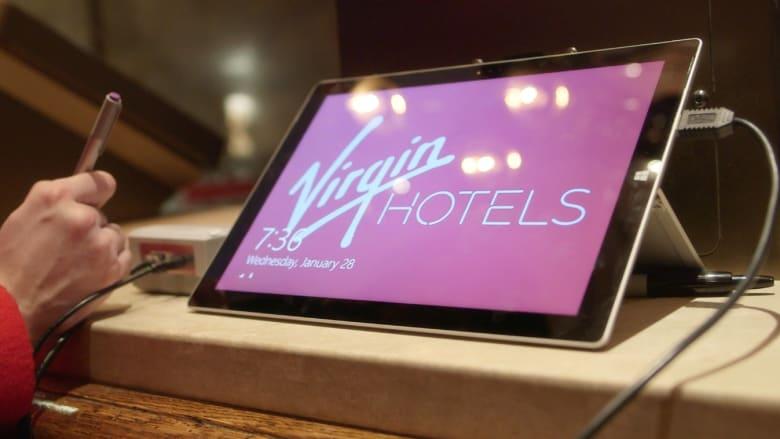 """ملياردير """"فيرجن"""" يفتتح فندقاً في شيكاغو بعد عام على التأخير"""