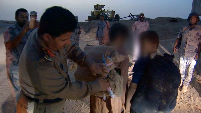 CNN على الحدود بين السعودية واليمن... الشمس تغرب واليوم لا ينتهي