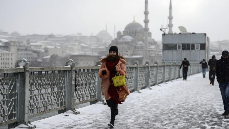 تركيا: تراجع البورصة والليرة بعد السيطرة على أكبر بنك إسلامي بالبلاد وخبراء يحذرون أردوغان
