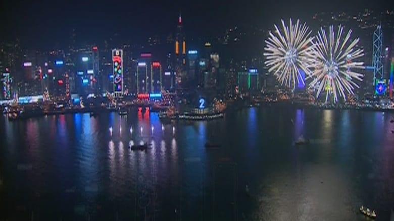 عروض مذهلة في احتفالات هونغ كونغ بالعام الجديد