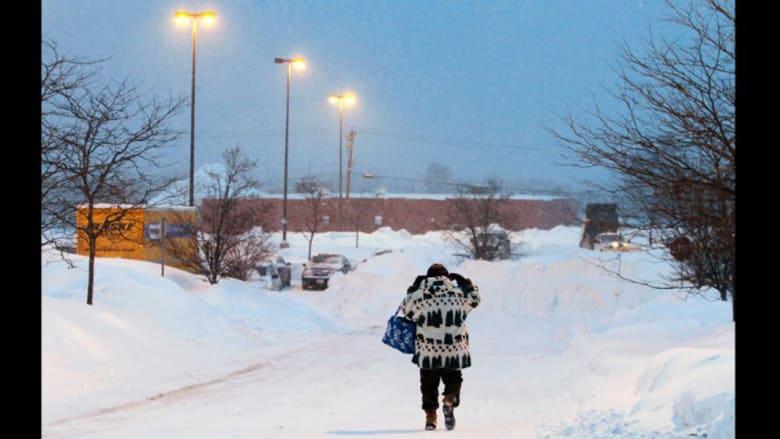 بالصور.. الثلوج تكتسح مناطق بأمريكا بعد 3 عواصف