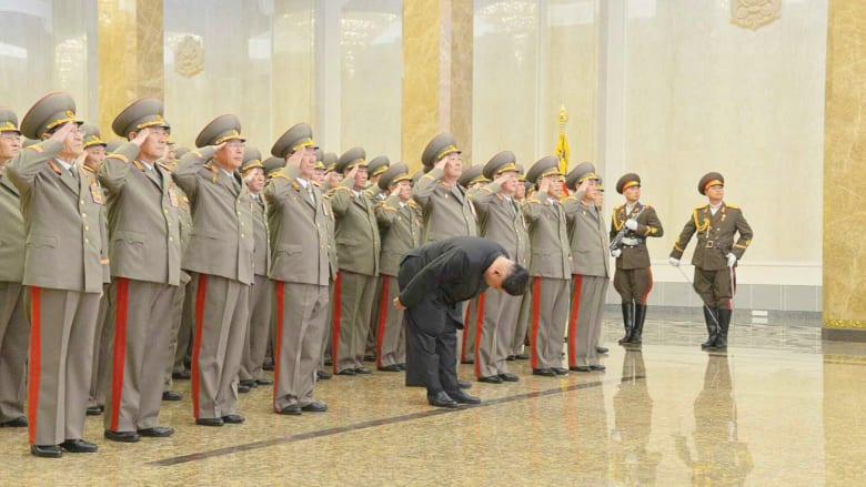 كوريا الشمالية تحتفل بذكرى ميلاد زعيمها الراحل كيم جونغ إيل