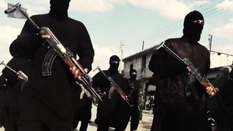 """بالفيديو.. آخر فظائع """"داعش"""".. يحرق جثث ضحاياه للمتاجرة بأعضائهم في أسواق أوروبا """"السوداء"""""""