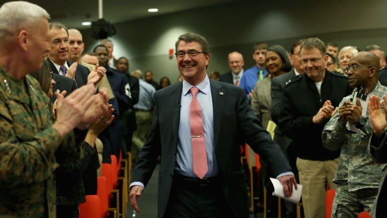 بعد 4 أيام من أدائه اليمين وزيراً لدفاع أمريكا.. كارتر يصل أفغانستان بزيارة مفاجئة