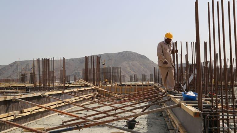 كيف تنشئ الإمارات العربية المتحدة بنيتها التحتية؟