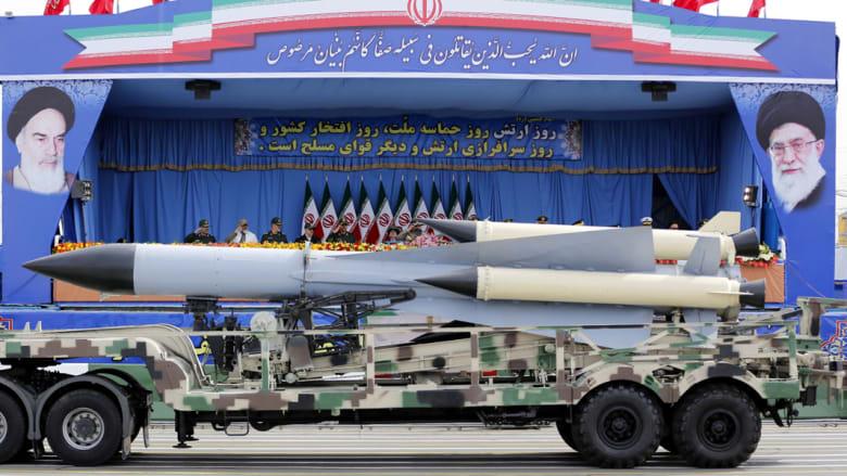 """إيران تكشف النقاب عن نسخة محلية لصواريخ """"كروز"""" وتوجه رسالة للأعداء والأصدقاء"""