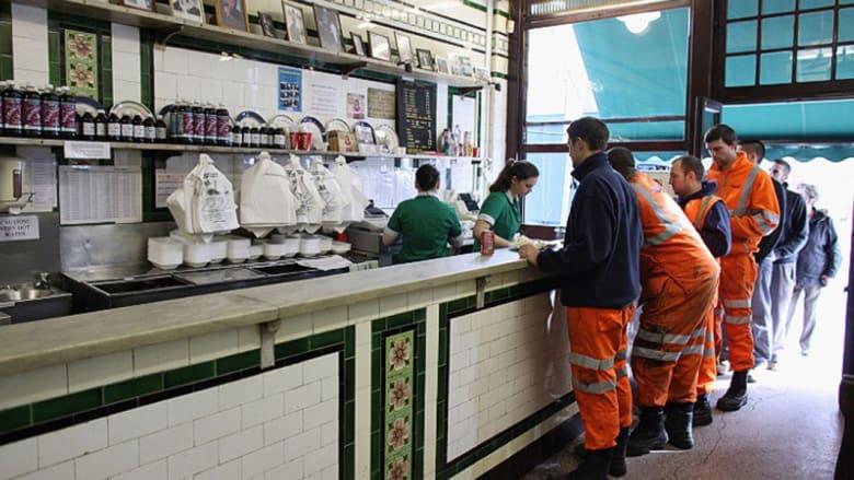 هل تعرف ما هي وجبة الطعام السريعة التقليدية في لندن؟