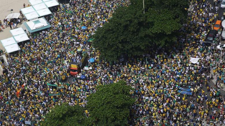 من المظاهرات