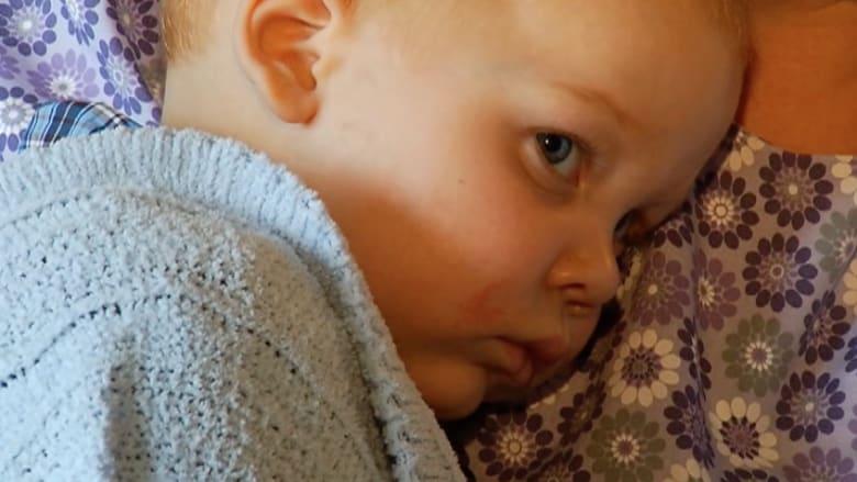 طفل تعود إليه الحياة بعد 101 دقيقة من عدم الحركة