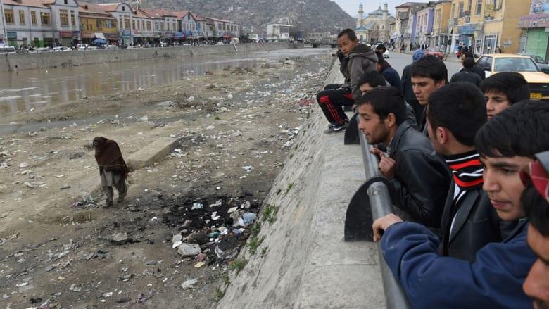 """اعتقال 11 شخصا في """"جريمة"""" ضرب وإحراق مختلة عقليا بدعوى حرقها المصحف بأفغانستان"""
