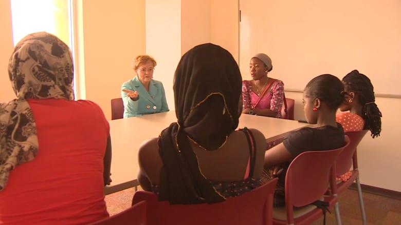 بعد اختطافهن.. نيجيريات يعدن للدراسة تحديا لبوكو حرام