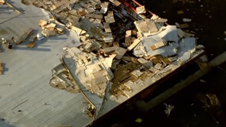 بالفيديو.. إعصار عنيف ينشر الدمار بولاية أوكلاهوما