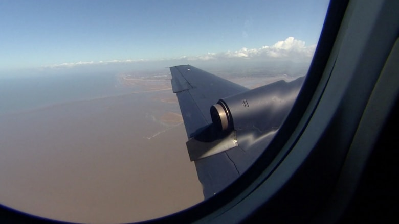 شاهد طائرة ركاب يوجهها الطيار من الأرض.. هل ستحظى بقبول المسافرين؟