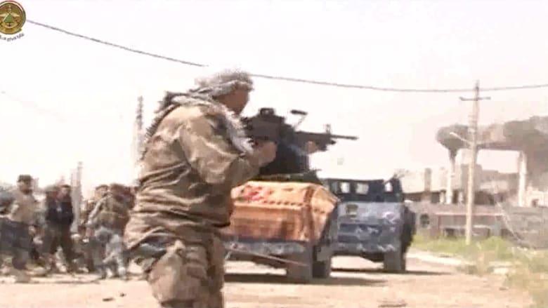 """بالفيديو .. القوات العراقية في تكريت .. و""""داعش"""" يخلف جثث مقاتليه في المدينة"""