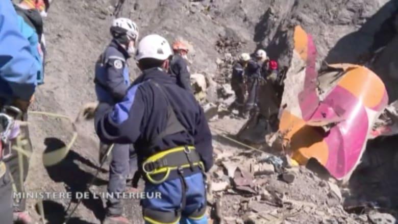 بالفيديو.. مشاهد جديدة لعملية استعادة حطام الطائرة الألمانية