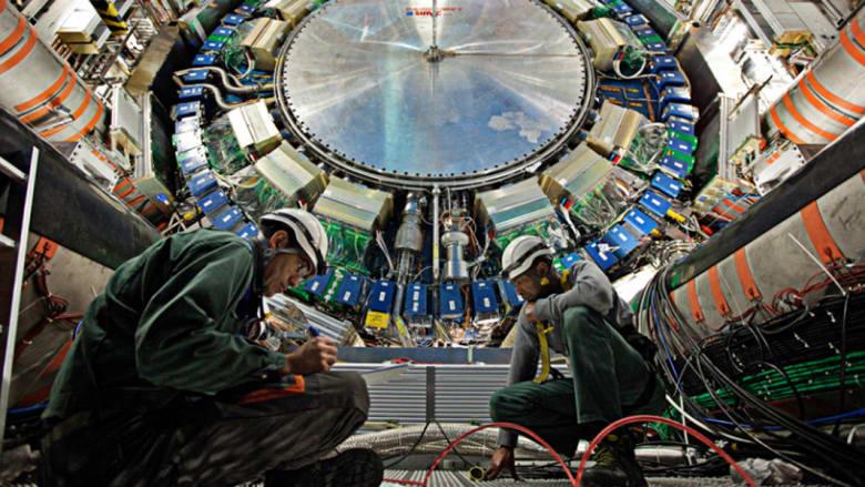 """بالصور.. تجارب محاكاة """"الانفجار العظيم"""" لكشف """"سر نشأة الكون"""""""