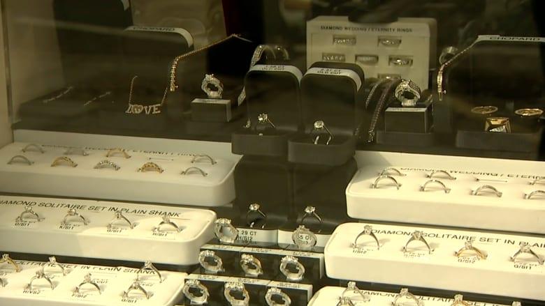 بالفيديو.. سرقة مجوهرات بـ300 مليون دولار في قلب لندن