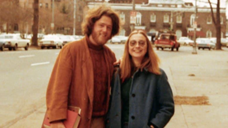هذه هي هيلاري كلينتون على مر السنين.. كيف كانت وكيف أصبحت؟