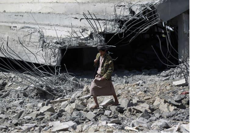 الموالون للرئيس هادي يسيطرون على مواقع للحوثيين وأنصار صالح في عدن ومأرب
