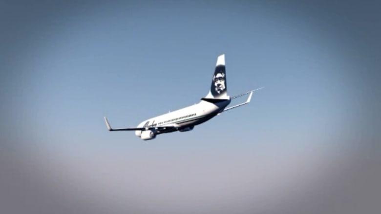 شاهد.. هبوط اضطراري لطائرة أمريكية بسبب نوم عامل الأمتعة