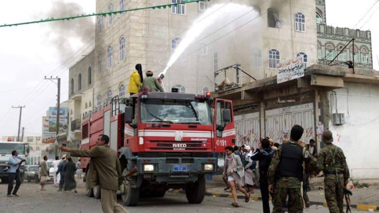 """مساجد عدن تدعو الحوثيين للاستسلام مقابل """"الأمان"""" وتضارب حول هوية القوات المستولية على أسلحة """"عاصفة الحزم"""""""