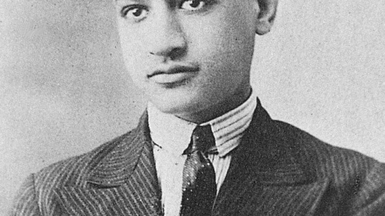 صورة للرئيس المصري جمال عبدالناصر التقطت عام 1931