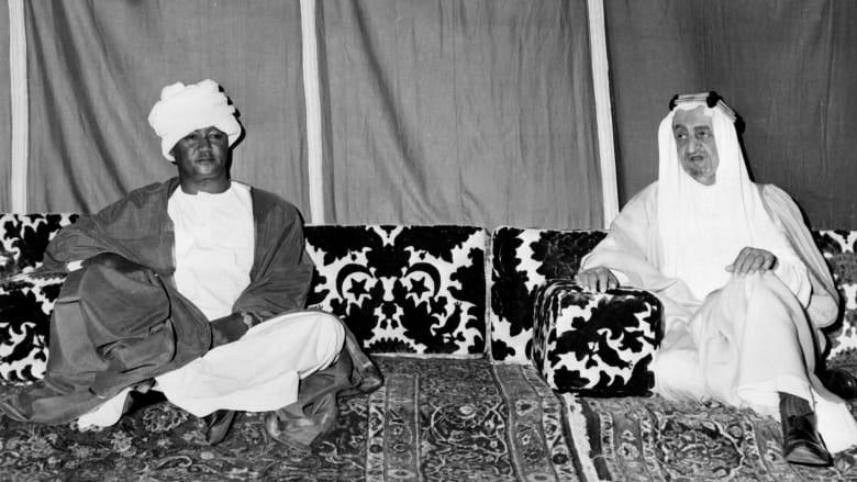 الرئيس السوداني جعفر نميري، الذي تولى الحكم عام 1969 مع الملك فيصل عاهل السعودية في مايو/ أيار 1972 خلال زيارته للسعودية