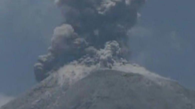 بالفيديو...  ثوران مفاجئ  لبركان هائل في المكسيك