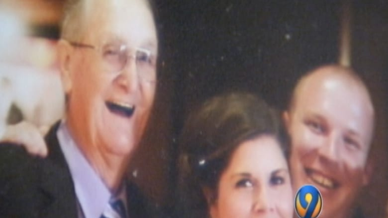 أمنية رجل قبل وفاته: لا تصوتوا لهيلاري كلينتون