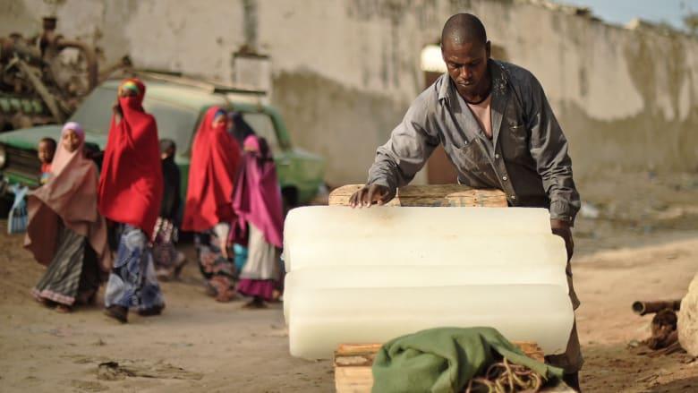 صوماليون فقراء يدفعون ثمن جرائم حركة الشباب بتشرد جديد في كينيا