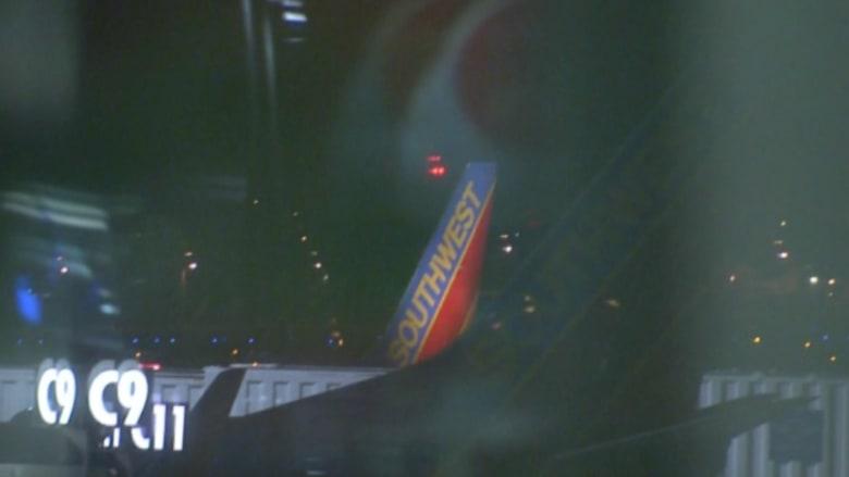 بالفيديو.. هبوط اضطراري لطائرة بعد خطب بمعدل الضغط داخل مقصورة الركاب